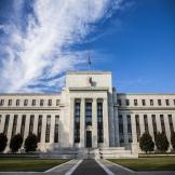 美联储议息会议维持利率不变,暗示年内不加息